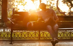 Картинка девушка, солнце, любовь, скамейка, природа, фон, дерево, widescreen, обои, романтика, настроения, женщина, чувства, день, лавочка, ...