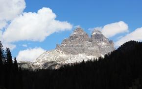 Картинка лес, небо, облака, снег, пейзаж, черный, гора, италия, густой, верхушка, доломиты, мизурина