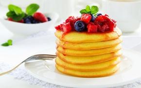 Картинка ягоды, еда, черника, клубника, блины, варенье, блинчики, оладьи, лжем