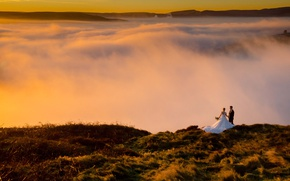 Обои happiness, joy, wedding, love, mountains, couple, groom, bride, dress, clouds, morning, dawn, sunrise
