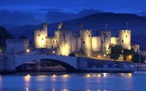 Обои мост, горы, Англия, замок, огни, крепость, ночь, фонари, Conwy Castle, река, North Wales