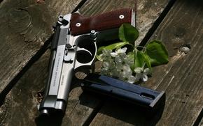 Картинка пистолет, оружие, доски, Beretta, самозарядный