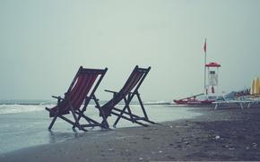 Обои море, тучи, волны, небо, серое, ветер, лежаки