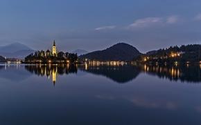 Картинка горы, ночь, природа, огни, остров, церковь, Словения, озеро Блед