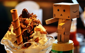 Картинка коробка, игрушка, еда, шоколад, сливки, картон, danbo, box, toy, десерт, food, сладкое, chocolate, sweet, 2560x1600, …