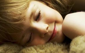 Картинка лицо, улыбка, волосы, ребенок, светлые, спит, девочка, мягкая игрушка