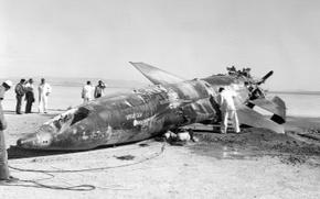Обои авария, фотография, пустыня, чёрно-белое, техника, самолёт, сша, металлолом, испытания, x-15