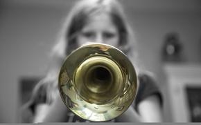 Картинка музыка, труба, девочка