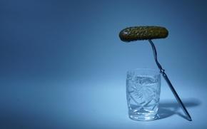 Картинка огурец, стопка, водка