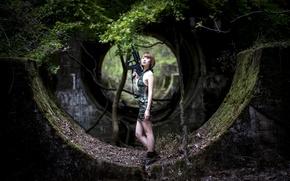 Картинка лес, девушка, оружие, развалины, азиатка