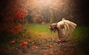 Картинка платье, девочка, осень.листья