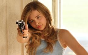 Картинка револьвер, Chloë Moretz, провинциалка, Хлоя Морец