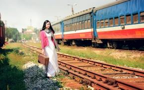 Обои поезд, девушка, восточная, железная дорога