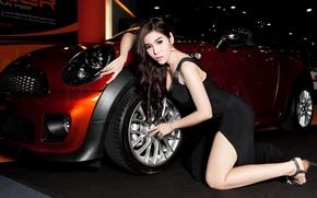 Картинка авто, азиатка, автосалон