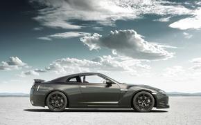 Обои песок, облака, тюнинг, Nissan, GT-R, ниссан