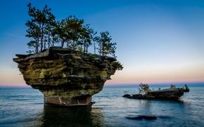 Картинка море, небо, деревья, скала, озеро