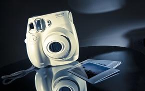Картинка отражение, фотоаппарат, фотографии, Fujifilm Instax Mini