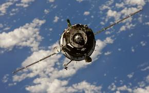 Картинка космос, антены, стыковочный узел, Союз-ТМА-01М