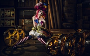 Обои девушка, настроение, шляпа, кукла, цирк, азиатка, цилиндр, клоунесса