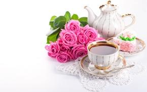 Обои чайник, салфетка, цветы, чай, букет, десерт, чашка, напиток, розы, сладость, кружево, пирожное