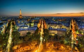 Картинка небо, деревья, ночь, тучи, город, огни, Франция, Париж, здания, дороги, дома, вечер, панорама, Эйфелева башня, ...