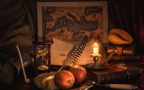 Картинка перо, яблоки, книги, карта, свеча, трубка, ракушка, натюрморт, песочные часы