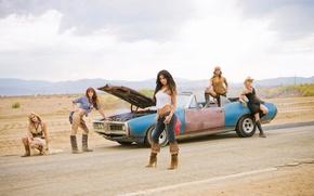 Картинка дорога, машина, пустыня, сапожки, Pussycat Dolls