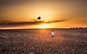Картинка поле, закат, мальчик