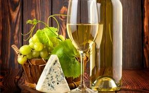 Картинка листья, стол, вино, белое, бокал, бутылка, сыр, виноград, лоза