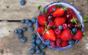 Картинка ягоды, малина, черника, клубника, тарелка, вишни, голубика