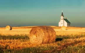 Картинка поле, небо, горы, урожай, сено, церковь