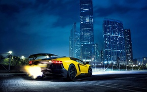 Картинка Lamborghini, Fire, Night, Yellow, Aventador, Lamborghini Aventador, Building, Backfire, Supercar