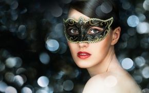 Картинка взгляд, девушка, брюнетка, маска, зеленоглазая