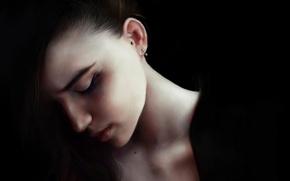 Картинка девушка, лицо, волосы, темно, красота, серьги, арт, alice
