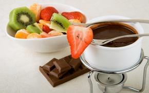 Обои киви, чашка, вилка, сладкое, фрукты. клубника, мандарины, дольки, горячий шоколад, еда, шоколад