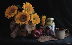 Картинка подсолнухи, яблоко, чашка, посуда, натюрморт