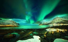 Картинка Лофотенские острова, снег, горы, Lofoten islands, Norway, море, ночь, Норвегия, Северное сияние, звезды, камни