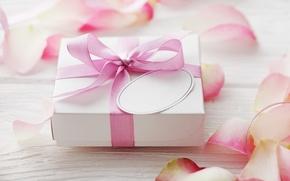 Картинка любовь, подарок, розы, лепестки, love, rose, heart, pink, romantic, Valentine's Day, petals, delicate