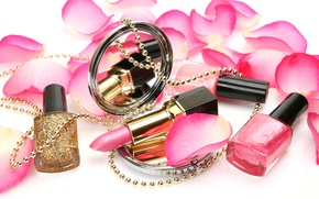 Картинка розы, лепестки, блестки, зеркало, помада, бусы, украшение, косметика, лак