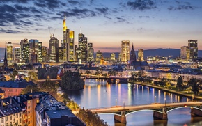 Картинка огни, река, дома, вечер, Германия, мосты, Frankfurt