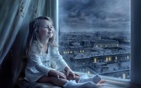 Обои город, улыбка, вид, окно, девочка, ребёнок