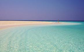 Картинка песок, пляж, небо, девушка, океан, силуэт, контраст
