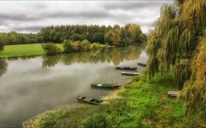 Картинка трава, деревья, река, лодки, берега, ивы