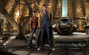Картинка кеды, костюм, пальто, платформа, Doctor Who, консоль, Доктор Кто, тардис, кожаная куртка, David Tennant, Дэвид …