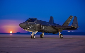 Картинка восход, истребитель, бомбардировщик, аэродром, Lightning II, F-35C, Lockheed Martin