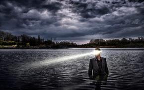 Картинка взгляд, лучи, костюм, парень, в воде, Eric Bayard, Cold Lake