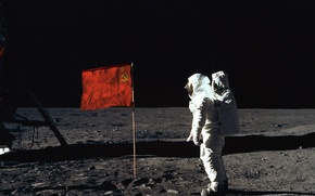 Картинка луна, человек, космонавт, флаг, СССР, на луне, первый