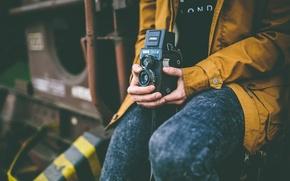 Картинка камера, руки, мужчина, пиджак, боке, 166B, Lubitel