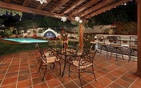 Картинка ночь, дизайн, огни, стол, плитка, стулья, бассейн, сад, двор, фонари, навес