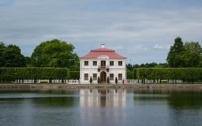 Картинка лето, пейзаж, природа, пруд, парк, здание, Санкт-Петербург, домик, архитектура, коттедж, Петергоф